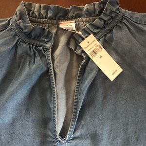 GAP women's light denim top